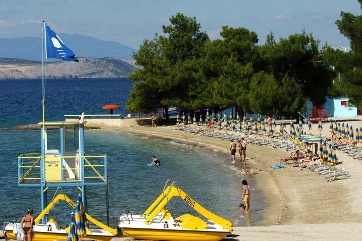 Crikvenička gradska plaža nekad je imala i Plavu zastavu, što u Gradu svakako žele vratiti / Snimila Biljana SAVIĆ