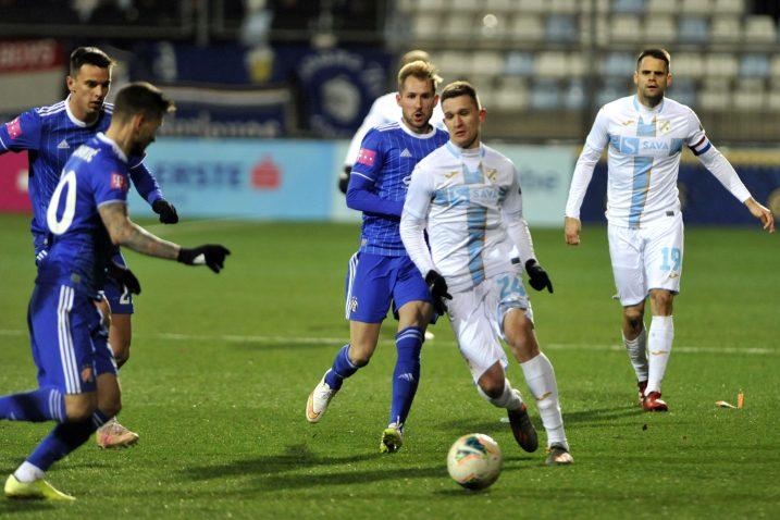 Danijel Štefulj tijekom utakmice s Dinamom/Foto V. KARUZA