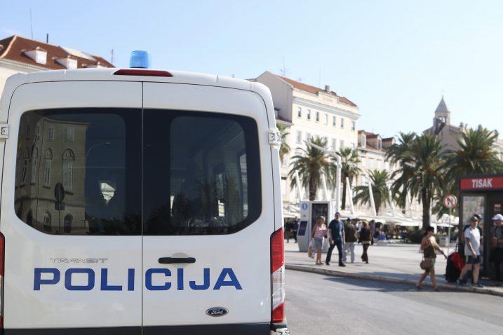 Izgredi su se dogodili uoči sutrašnje nogometne utakmice Hrvatska - Mađarska na Poljudu  / Foto Ivo ČAGALJ / PIXSELL