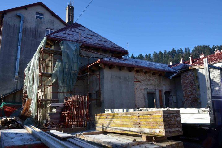 Radovi preuređenja nekadašnjeg Doma OSRH-a u Kulturni centar teku po planu / Foto M. KRMPOTIĆ