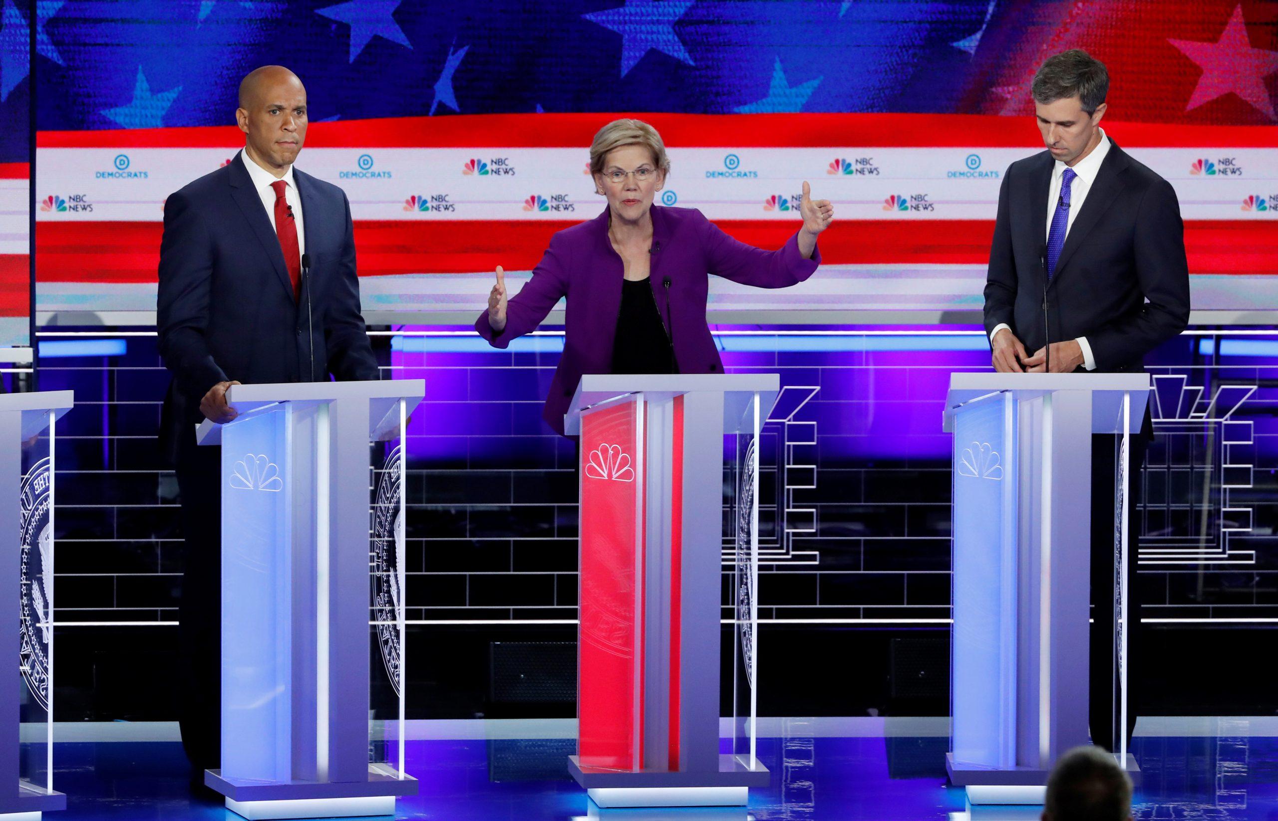 Elizabeth Warren, Cory Booker i Beto O'Rourke  / REUTERS