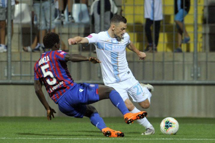 Ivan Tomečak (Rijeka) i Hamza Barry (Hajduk)/Foto Arhiva NL