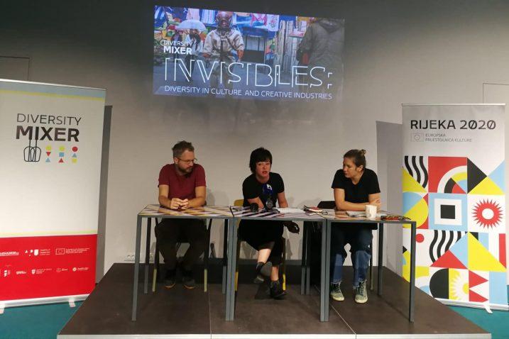 Marin Lukanović, Lela Vujanić i Nataša Antulov, Foto: Rijeka 2020
