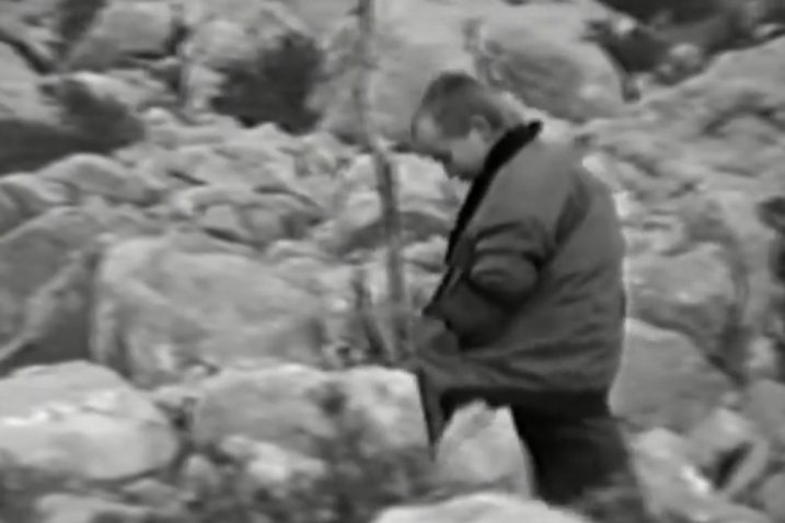 Kadar iz filma Pavle Balenovića snimljen na velebitskim Tulovim gredama u kojem se vidi mali Luka Modrić / Screenshot YouTube Pavle Balenović
