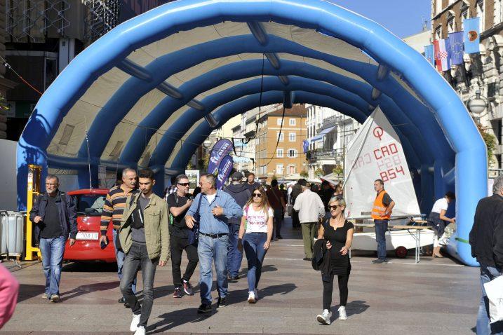 Festival se »ispod šatora na najpopularnijoj šetnici« održava sedmi put / Foto VEDRAN KARUZA