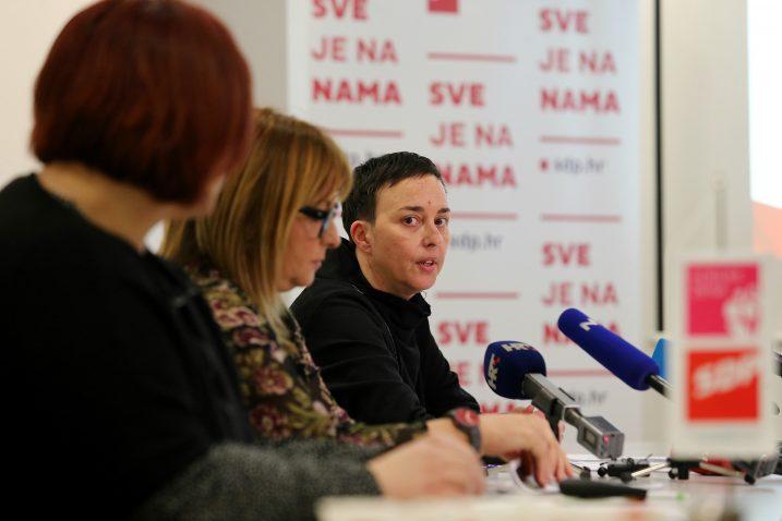 Članice Foruma žena SDP-a / Foto Dalibor Urukalovic/PIXSELL