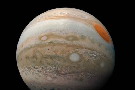 FOTO/ Jupiter, NASA/JPL-Caltech/SwRI/MSSS/Kevin M. Gill