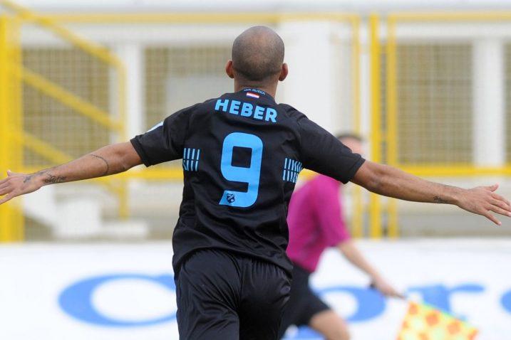 "Brazilac Heber leti ""preko bare""/Foto Arhiva NL"