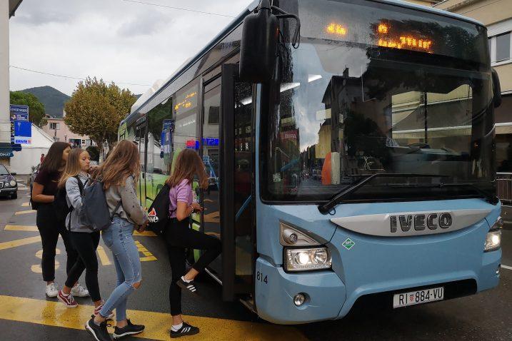 Autobusne linije u Matuljima nisu usklađene s popodnevnom školskom smjenom / Foto Marina KIRIGIN