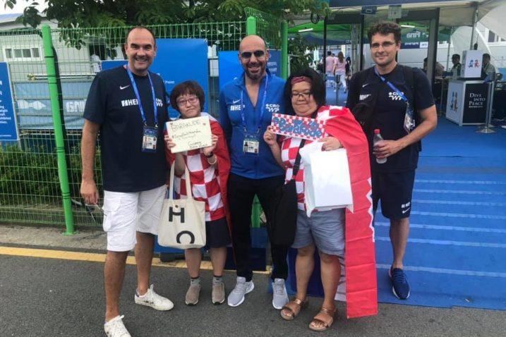 Perica Bukić, Ivica Tucak i Igor Pezelj s korejskim navijačicama