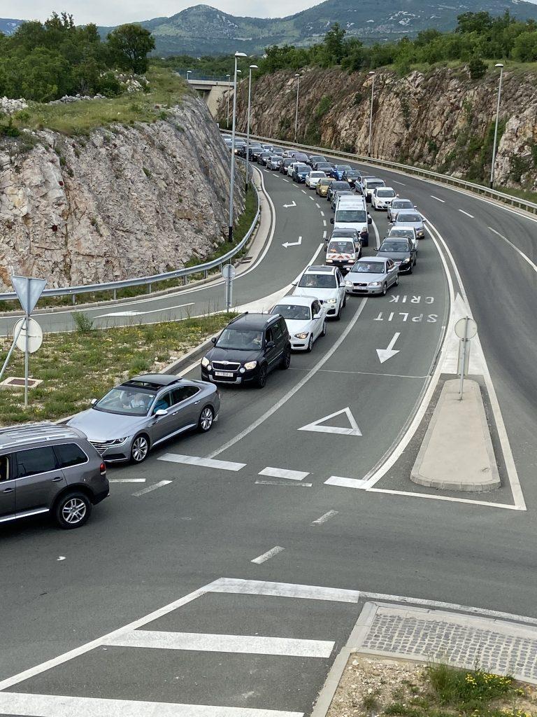 Gužva na cesrti za Krčki most / Snimio čitatelj