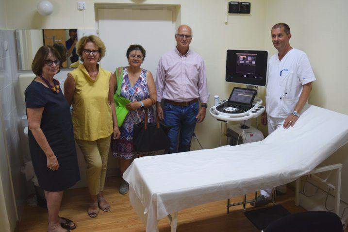 Predstavnici udruge IMAS Loredana Beg, Liliana Muškardin, Marina Pilić i Zdenko Beg s dr. Kristijanom Mužićem uz novi ultrazvuk / Snimio Bojan PURIĆ
