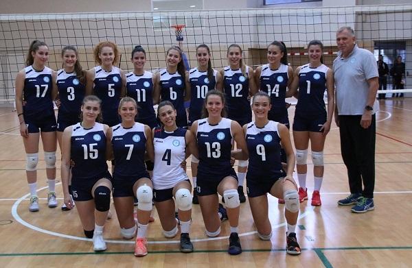 Odbojkašice Rijeke s trenerom Igorom Lovrinovim