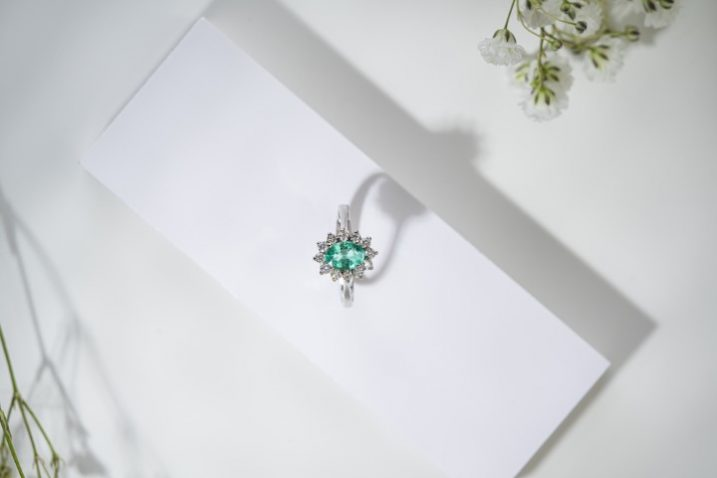 prsten od bijelog zlata s dijamantom Zaks