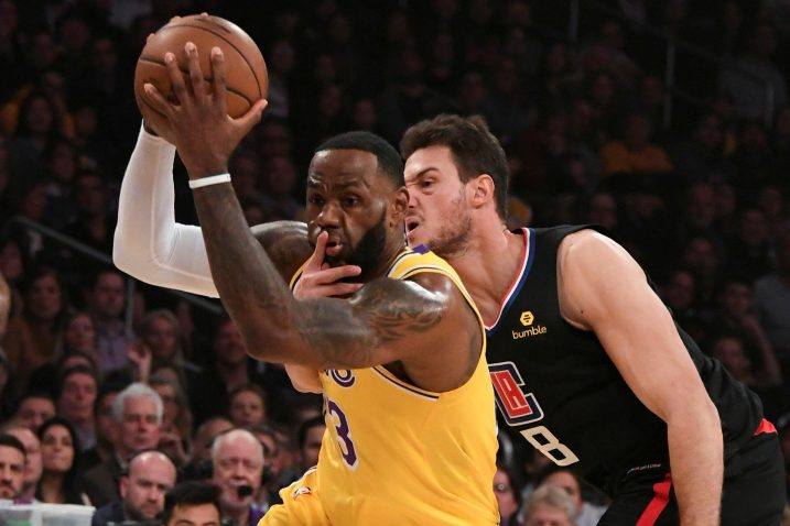 LeBron James (LA Lakers) i Danilo Gallinari (Los Angeles Clippers)/Foto REUTERS