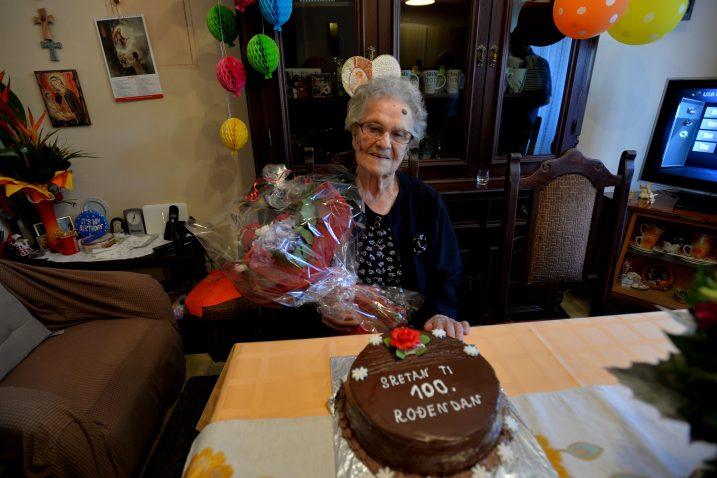 Jeka Brkljača slavi 100. rođendan / Snimio Damir ŠKOMRLJ