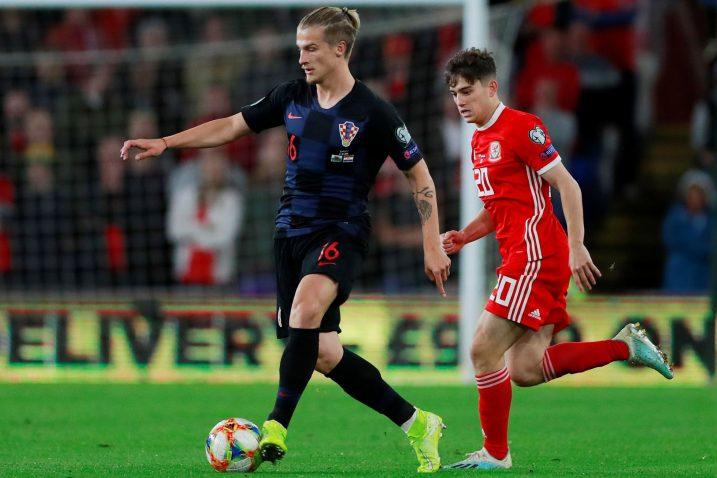 Tin Jedvaj (Hrvatska) i Daniel James (Wales)/Foto REUTERS