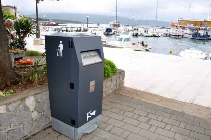 170 tisuća kuna bez PDV-a koštat će nabavka pet pametnih kanti za otpad / Snimio Mladen TRINAJSTIĆ