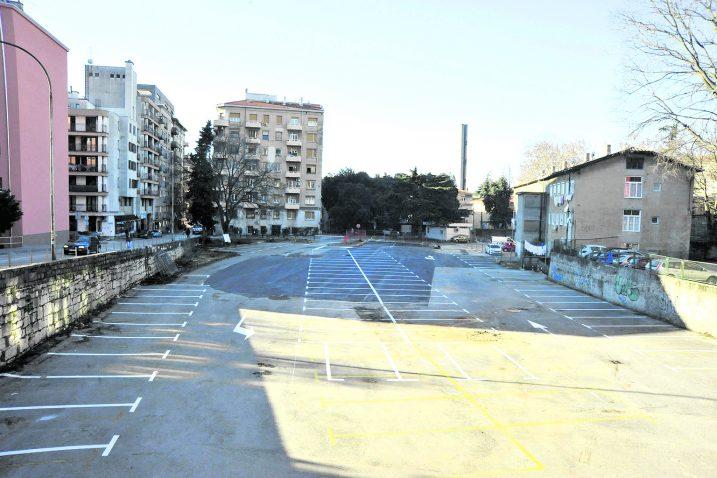 Parkiralište će biti privremeno, odnosno do rujna / Snimio Sergej DRECHSLER