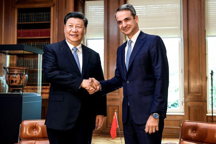 Xi Jinping i Kiriakos Micotakis / REUTERS