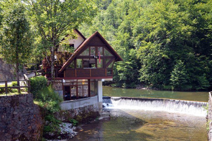 Zbog svoje ljepote Kamačnik je već dugo poznat ljubiteljima prirode / Foto M. KRMPOTIĆ