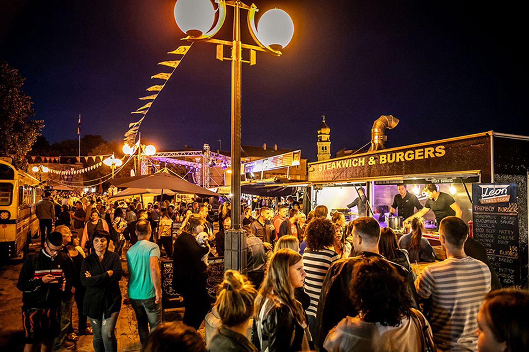 Puno dobre glazbe, plesa i hrane očekuje Krčane i njihove goste / Snimio Mladen TRINAJSTIĆ