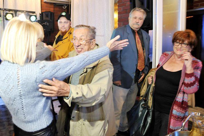 Srdačni zagrljaj nakon gotovo dva desetljeća / Snimio Sergej DRECHSLER