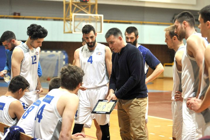 iniša Štemberger i Goran Šućurović s mladim igračima Kvarnera 2010 u riječkom hramu košarke/V. KARUZA