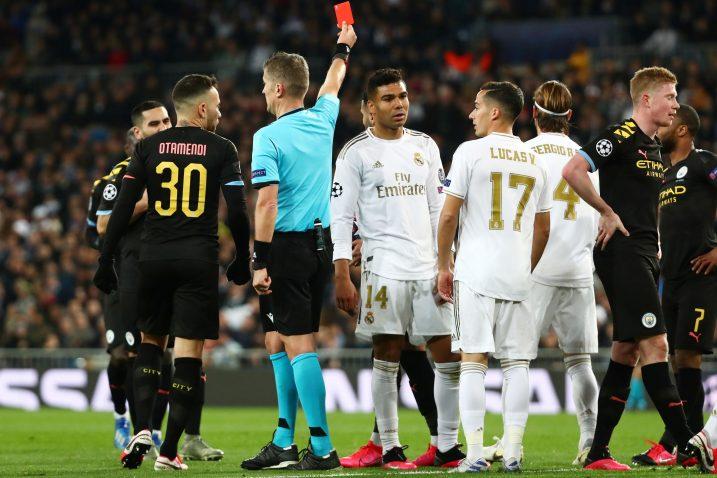 Sudac Daniele Orsato pokazao je crveni karton Sergiju Ramosu/Foto REUTERS