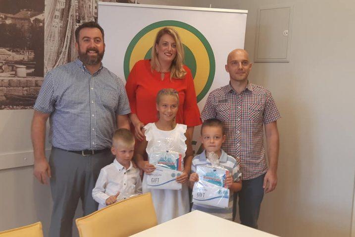 Djecu su primili i nagradili u Gradskoj upravi Crikvenice