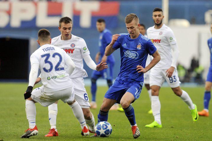 Dani Olmo u okruženju igrača Hajduka/D. KOVAČEVIĆ