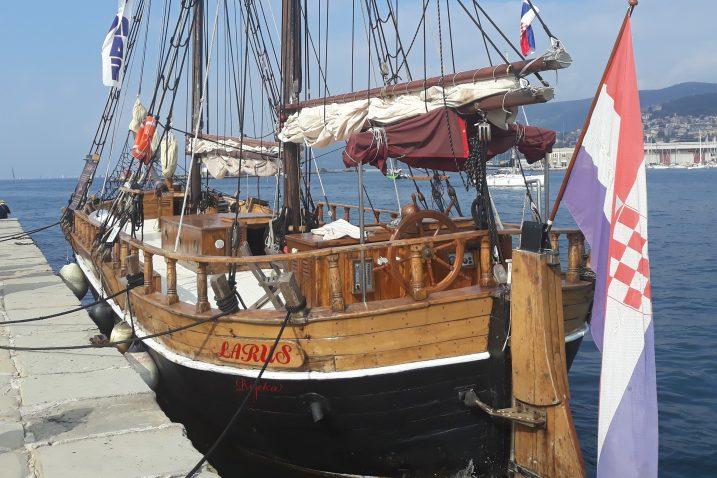 Atrakcija u riječkoj luci - jedrenjak »Larus«