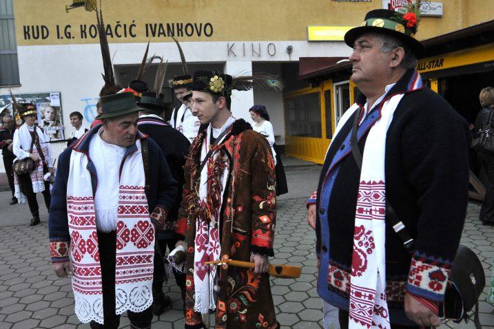 """U Ivankovu cijene i svadbene običaje, na tradicionalnoj manifestaciji """"Sve se čaje okupiše"""" / Photo: Goran Ferbezar/PIXSELL"""