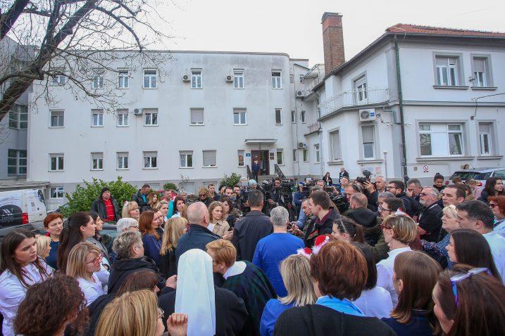 Prosvjed zaposlenika Dječje bolnice Srebrnjak / Foto Matija Habljak/PIXSELL