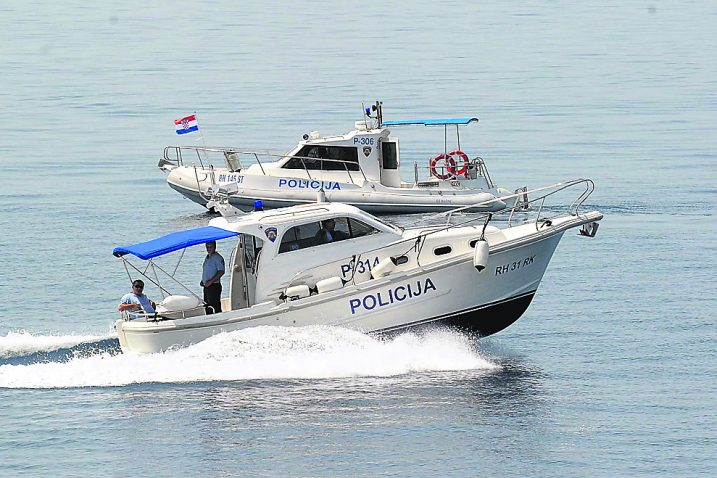 U samo pet dana policija zabilježila 22 prekršaja nedozvoljenog glisiranja / Snimio  Sergej DRECHSLER