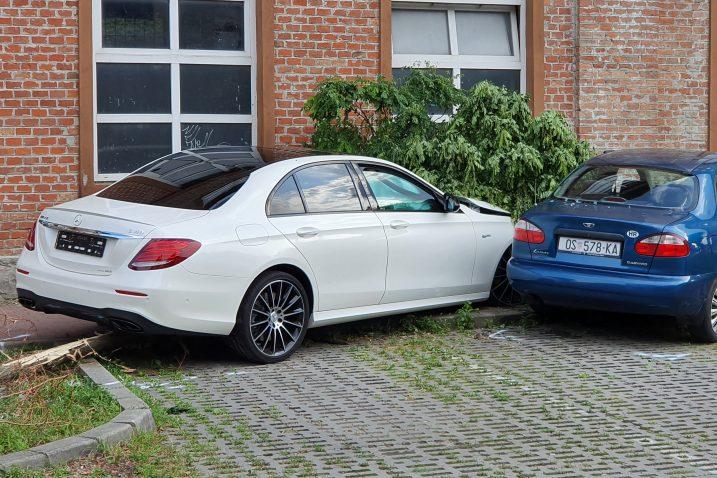 Bočkajev bijeli Mercedes na mjestu nezgode/Foto PIXSELL