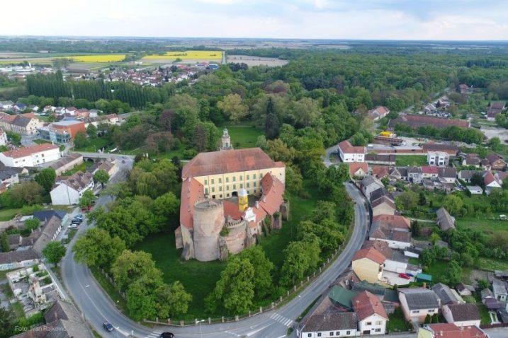 Dvorac u središtu Valpova / Foto:: IVAN RAJKOVIĆ