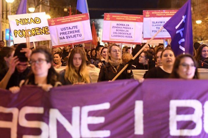 'Ne damo svoje zdravlje i živote! Borit ćemo se sve dok država ne preuzme odgovornost za ubojstva i sve druge oblike nasilja prema ženama i djevojčicama', poručile su organizatorice marša / Foto Marko Lukunic/PIXSELL