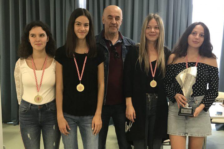 Katarina Bogdanić, Lara Desnica, Ivan Mandekić. Sandra Đukić i Ena Cvitan