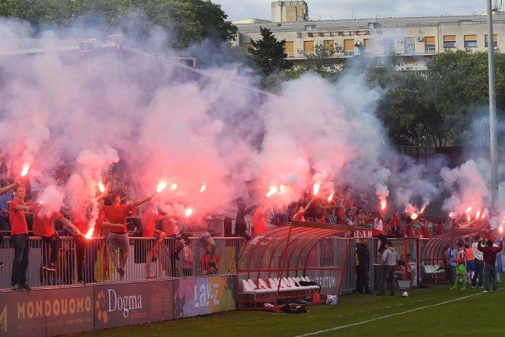 Na poluvremenu utakmice Krimeju je obasjalo sto baklji/I. TOMIĆ