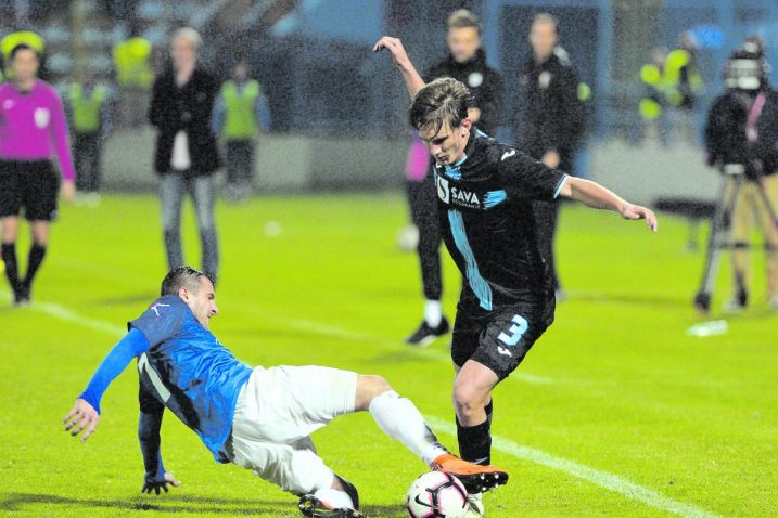 Lijevi bek Rijeke Petar Mamić zabio je prvi pogodak na utakmici/Foto D. ŠKOMRLJ