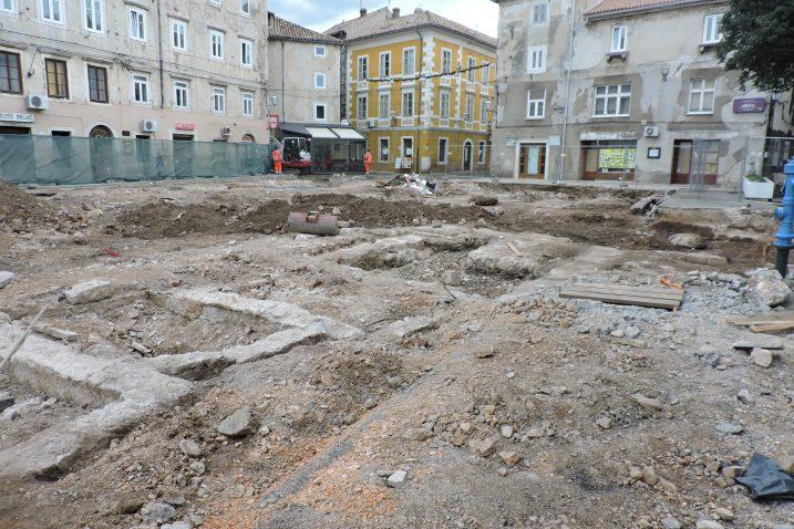 Dosadašnjim arheološkim nadzorom većim dijelom su utvrđeni gabariti crkve i samostana / Foto  D. PRPIĆ