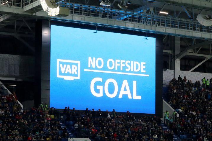 VAR će se upotrebljavati i na finalu Europske lige, te na EP-u mladih reprezentacija/Foto REUTERS