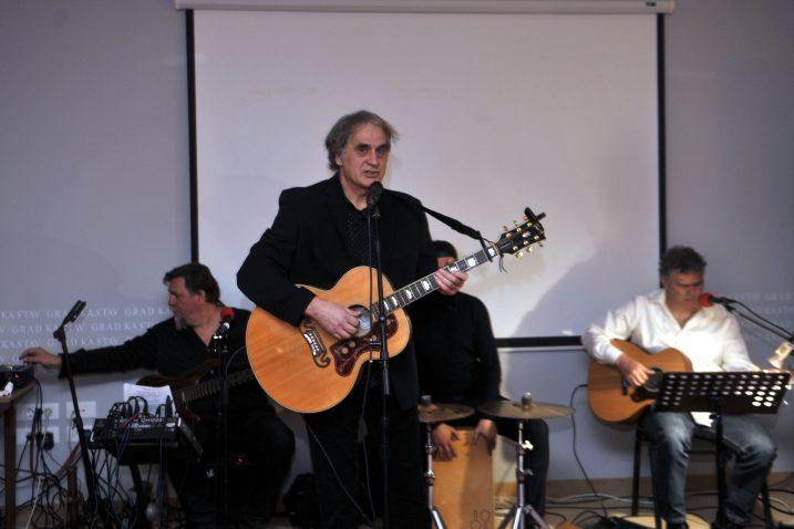 Robert Funčić album je predstavio nastupom u hotelu Kukuriku / Snimio Vedran KARUZA