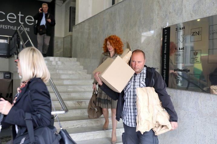 Akcija Flajš: Ana Karamarko na izlazu iz tvrtke u pratnji istražitelja / Foto: Patrik Macek/PIXSELL