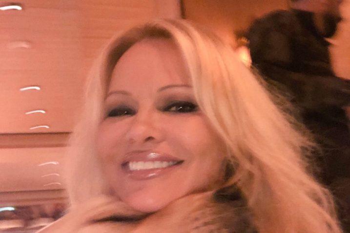 Foto Screenshot Twitter Pamela Anderson