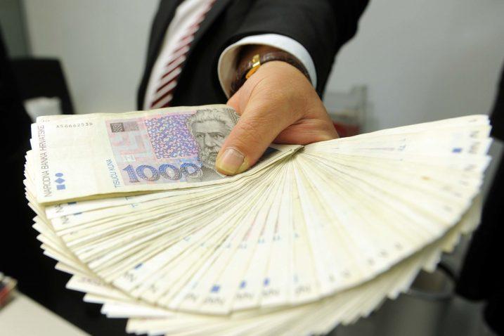 Vlada je lani poslodavcima omogućila da nagrade radnicima povećaju do neoporezivih 7.500 kuna godišnje, a mnoge su tvrtke to iskoristile / Snimio Vedran KARUZA