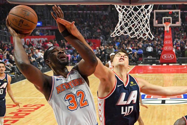 Noah Vonleh (New York Knicks) i Ivica Zubac (LA Clippers)/Foto REUTERS