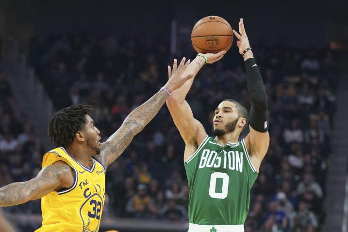 Jayson Tatum (Boston Celtics) i  Marquese Chriss (Golden State)/Foto REUTERS