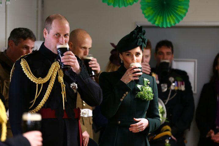 William i Kate piju pivo Guinness na proslavi / Reuters